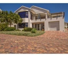 3 Bedroom House for sale in Bowtie - Plettenberg Bay
