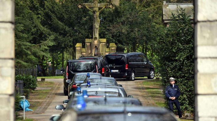 Trauerfeier für Guido Westerwelle (†54) | Heute sagen Freunde ein letztes ADIEU - Politik Inland - Bild.de