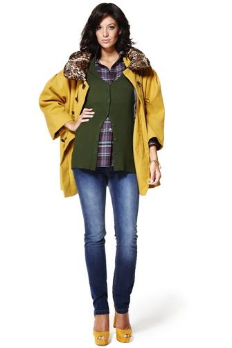 Invierno 2012: #Abrigopremamá Garçon  Abrigo de paño amarillo con cuello acolchado en estampado print animal y cierres de trenca.