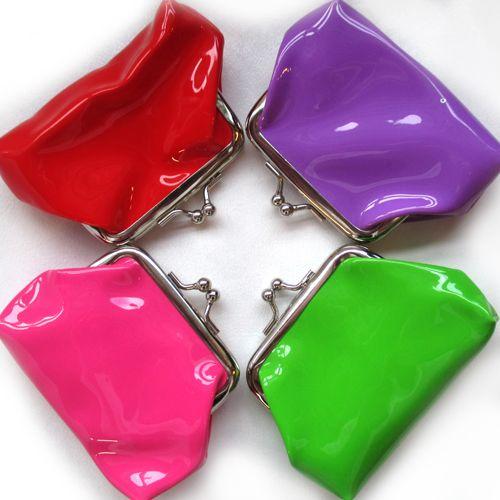 Candy Kolikkopussi Kiva pieni kolikkopussukka herkullisin värein.