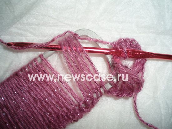 Using Hairpin Fork to do Broomstick lace