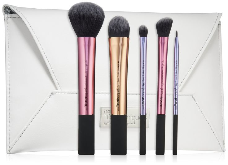 Real Techniques Limited Edition Deluxe Gift Set, 5 Count. Multi-task brush: for effortless application of powder, blush, and bronzer. EXCLUSIVE tapered foundation brush: features a dense, rounded head for a perfect complexion. EXCLUSIVE angled highlighter brush: add glow to your cheeks or use for contouring of the nose. Base shadow brush: applies a smooth, flawless foundation of color. Fine liner brush: for precision application of liquid or cream eyeliner.