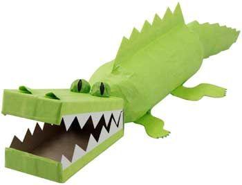 krokodil van lege fles en doos  / Страшный крокодил