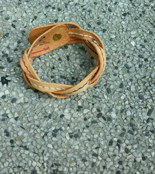 Handstitch leather bracelet