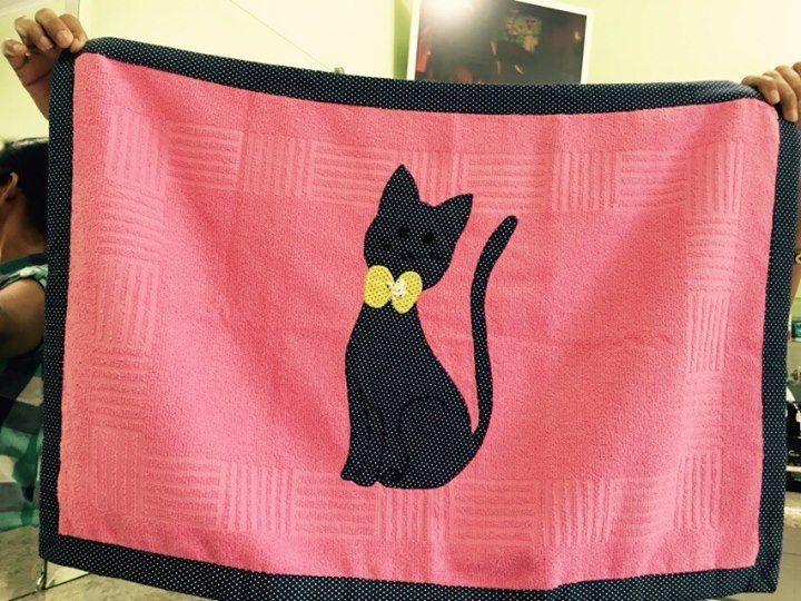 Tapete de banheiro (gatinha preta)