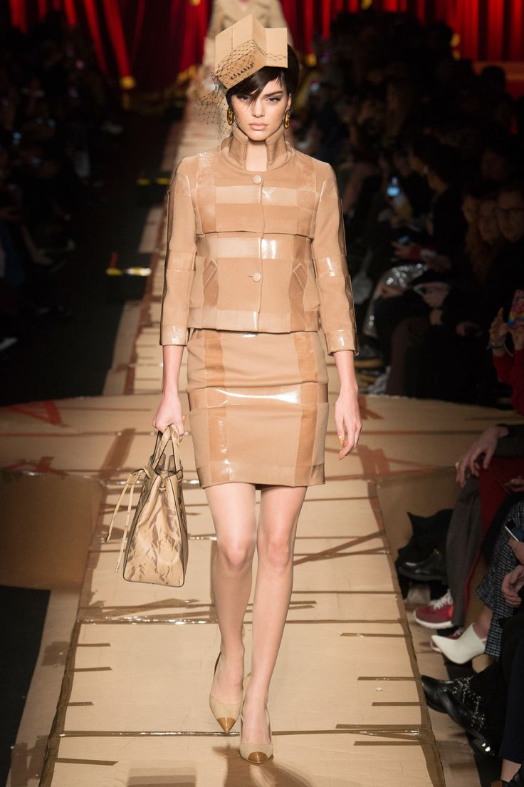 You know the E-fulfillment / Packaging industry is red hot when fashion imitates it. Moschino Fall 2017 Ready-to-Wear Fashion Show - Kendall Jenner