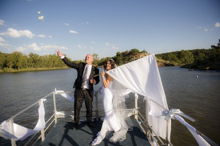 Nicky and Gunther's Vaal River wedding