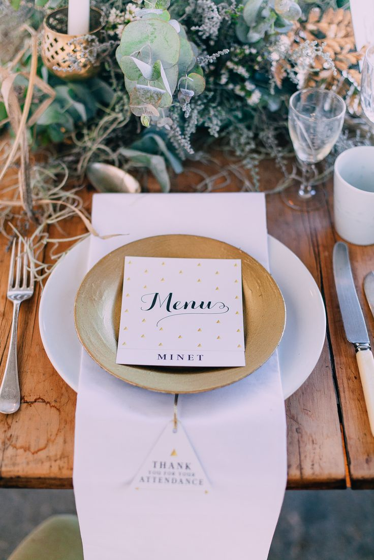 Styled shoot wedding venue in Paarl, Diamant Estate. Cape Town wedding photographer Michelle Du Toit. Wooden table with gold plates and stationery ideas