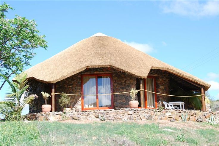 Carmens Farmgästehaus Oudtshoorn - Enjoy the outdoors with us as It is pure relaxing.  Our guest house offers a holiday in unspoiled nature where you should utilize the beautiful surroundings for long walks and hiking trails.  We offer ... #weekendgetaways #oudtshoorn #kleinkarookannaland #southafrica