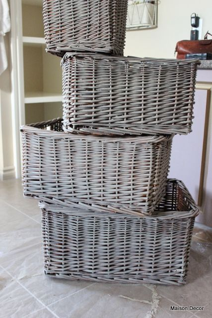 Easy way to change decor color - Maison Decor: how to dry brush baskets with chalk paint