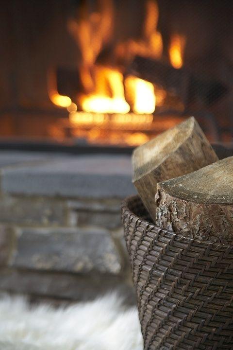 Vuur heb je al! Maar nog een leuke mand of kist voor wat houtblokken?