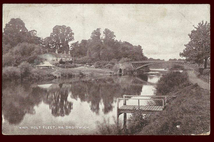 Holt Fleet near Ombersley. Early 1900s Photochrom Sepiatone Postcard. The building is the Holt Fleet Hotel, demolished and replaced in 1937 due to flood damage.