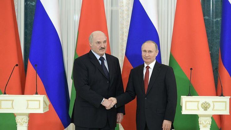 Am Sonntag feierten Russland und Weißrussland den Tag der Einigkeit der Völker beider Länder. Die Präsidenten beider Staaten trafen sich am Tag darauf in St. Petersburg, um die in der letzten Zeit entstandenen Differenzen zu besprechen.