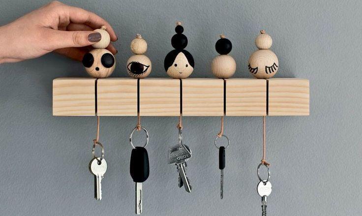 DIY : construire un porte-clefs mural en suivant ces 7 tutos trouvés sur la toile pour une rentrée sereine et organisée !