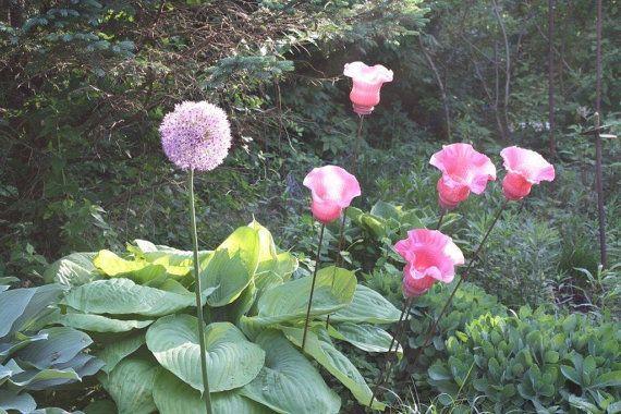 Garden art glass flower made from repurposed by EclecticArtsDesign