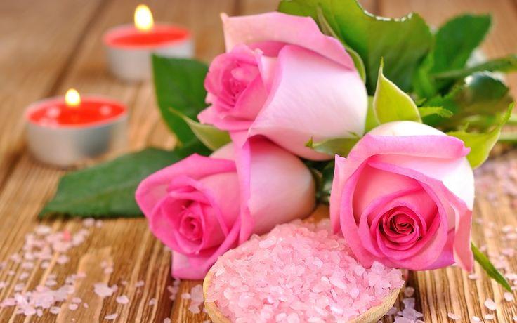 Скачать обои лепестки, свечи, соль, розовые, розы, бутоны, раздел цветы в разрешении 1440x900