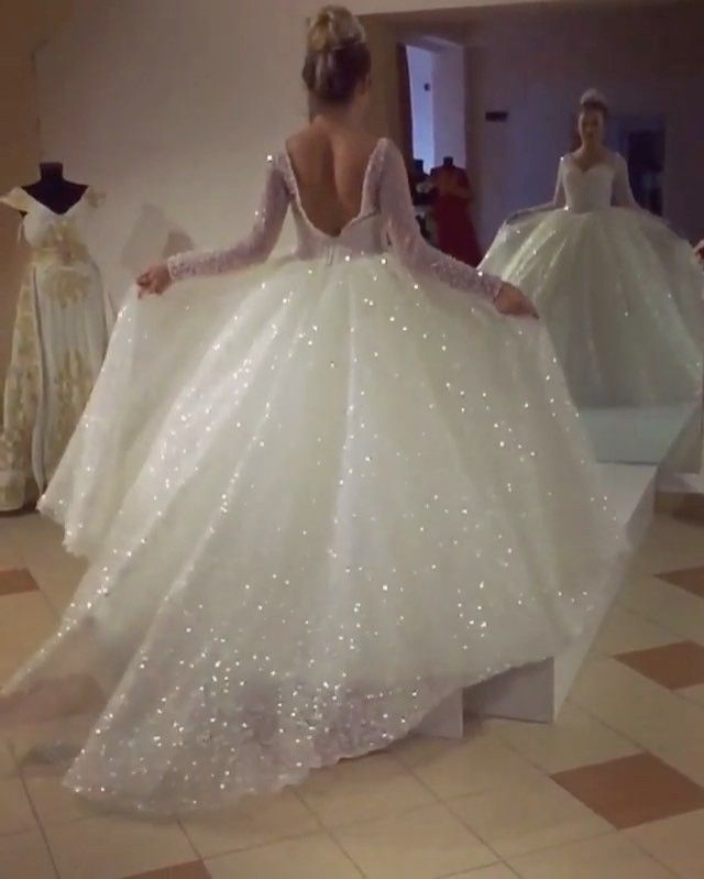 """32.5k Likes, 1,708 Comments - BRIDAL EXPERT ❤ (@dreamwedding4u) on Instagram: """"OBSESSED ❤️ I had so many requests about this dress so i had to repost the good quality video ❤️…"""""""