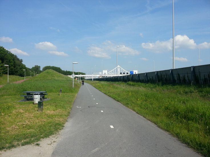 Snel fietspad langs de A12 (Gouda - Den Haag).