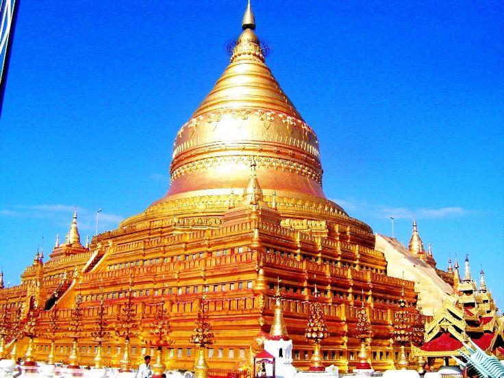 #Bagan, #Birma, #Myanmar. To jeden z najbardziej niezwykłych zakątków na świecie. Wszystko za sprawą ogromnej ilości budowli sakralnych nagromadzonych w tym miejscu. Ich liczba szacowana jest pomiędzy 2000 a 3000, choć w minionych wiekach było ich znacznie więcej, niektórzy mówią nawet o 10000 stup i kapliczek.