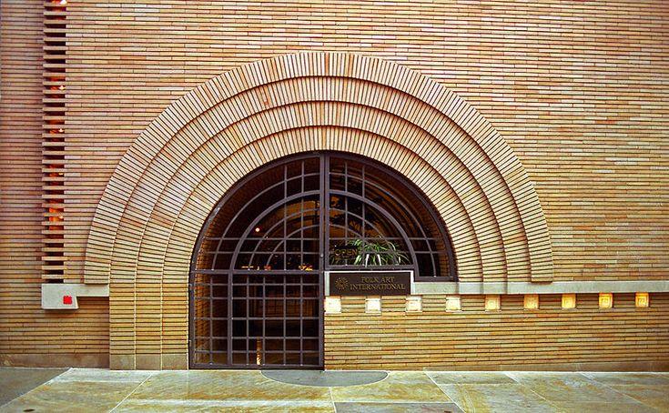 Morris Store entrance. Frank Lloyd Wright.