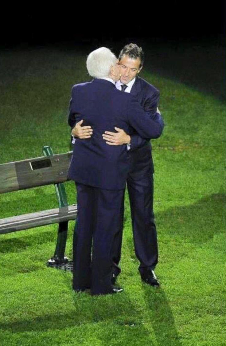 L'abbraccio....la nostra storia...Boniperti Del Piero....mitici ✨✨❤️❣❤️