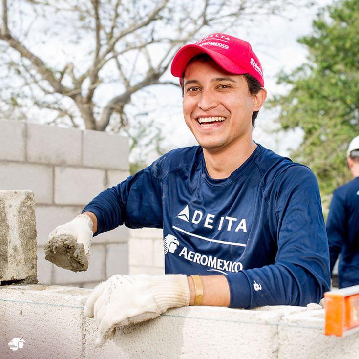 Desde hace ya 12 años, Delta organiza un voluntariado global en conjunto con Hábitat for Humanity internacional, en el cual se seleccionan familias de comunidades de escaso recursos y se les apoya en la construcción de una casa propia.