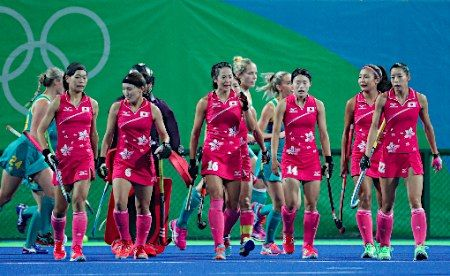 厳しい表情の日本チーム :フォトニュース - リオ五輪・パラリンピック 2016:時事ドットコム
