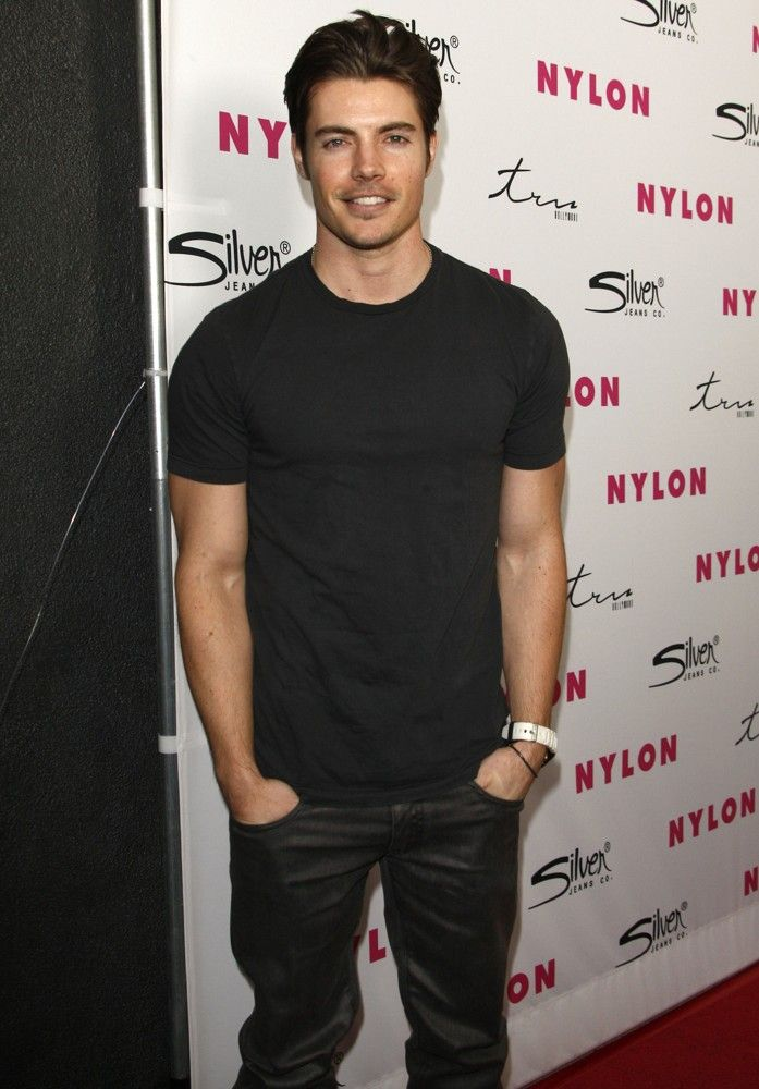 Josh Henderson, omg i need Dallas to air season 3 !