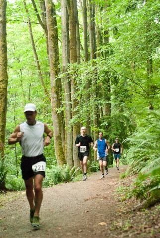 how to put on a trail race