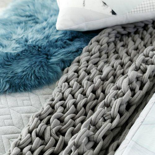 Rebecca Judd Loves Home Republic Zephyr Hand Knit Throw, chunky throw, throw rug
