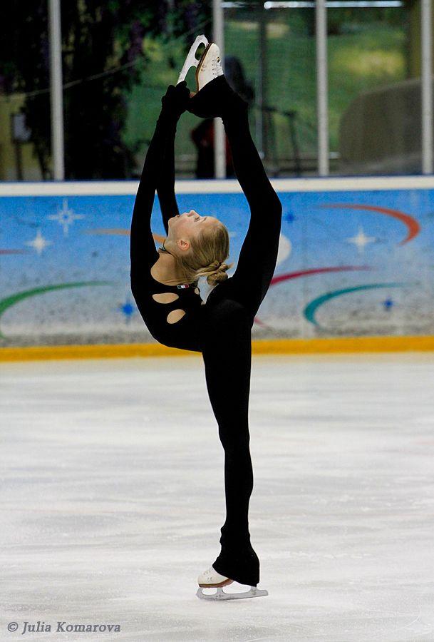amazing elena radionova. love her black outfit
