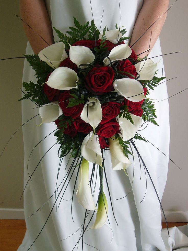 red rose and callas with slight cascade