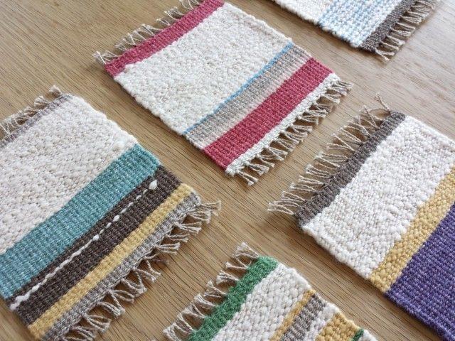 【手織り】木綿のコースター - woom色々な木綿の糸でコースターを織りました。 カラフルですが木綿の素朴な色合いが可愛いです。 素材はすべて綿です。手紡ぎの糸、がら紡、草木染めの糸などなど。 お気に入りの1枚を見つけてください。 しっかりと打ち込んで織っていますので丈夫です。
