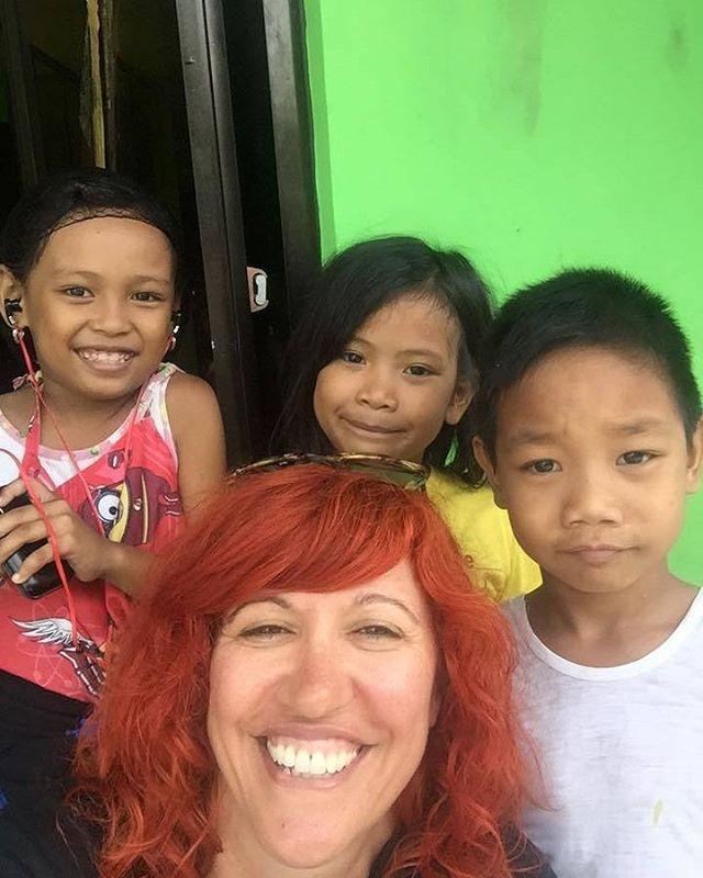 Selfie time with the kids! #headingouthairandbeauty #HOHB #headingoutacademy #headingoutmelbourne #melbournehairdresser #caterinadiabiase #hairdresser #hairlove #hairaid #hairaid2016 #hairdressing #workshop #payitforward #selfie #groupie #philippines