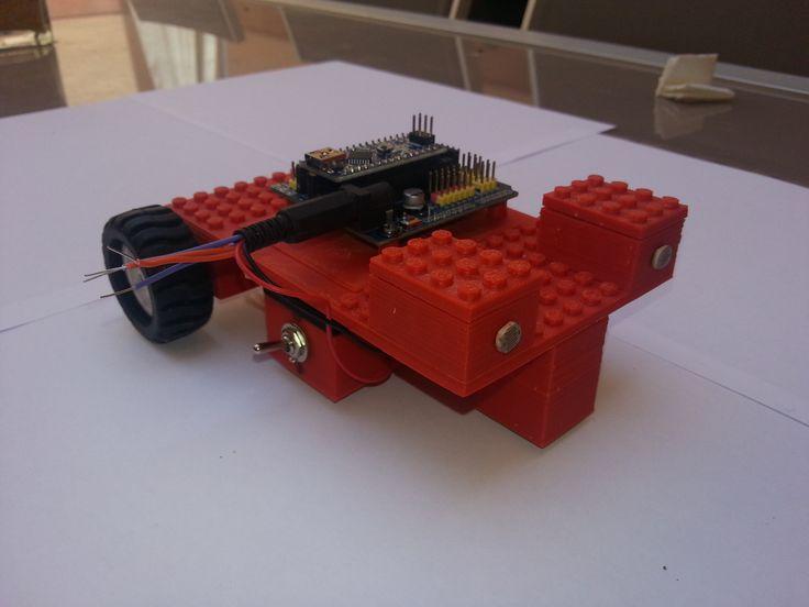 Robot móvil con arduino y Lego
