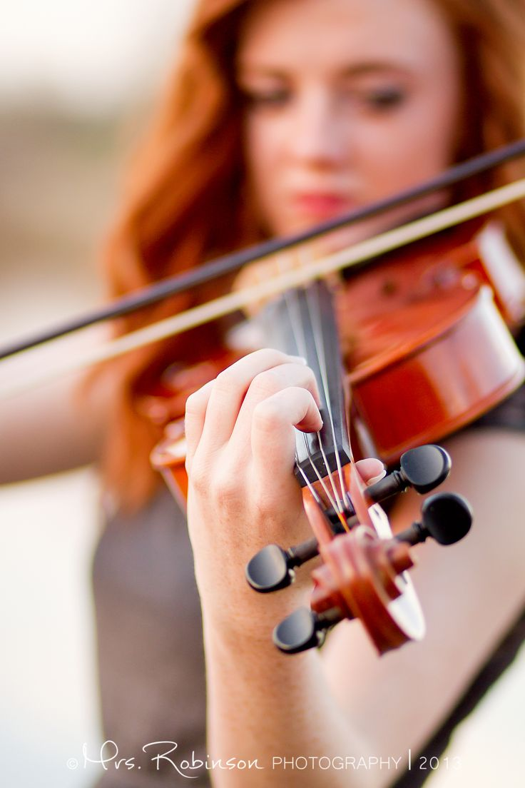 Posh Poses | Solo | Vibrant Colors | Showcasing Hobbies | Violin Love | Senior Girls