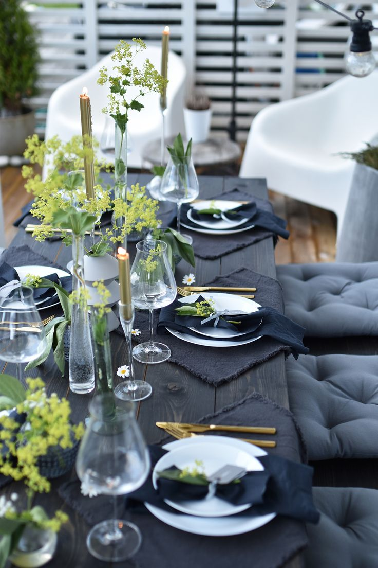 Black grey and green is the theme! Find this Pin and more on creative table setting ... & 11076 best creative table setting images on Pinterest | Table ...