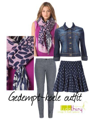 Een sjaal in gedempt- koele tinten is een goed uitgangspunt voor een kledingcombinatie