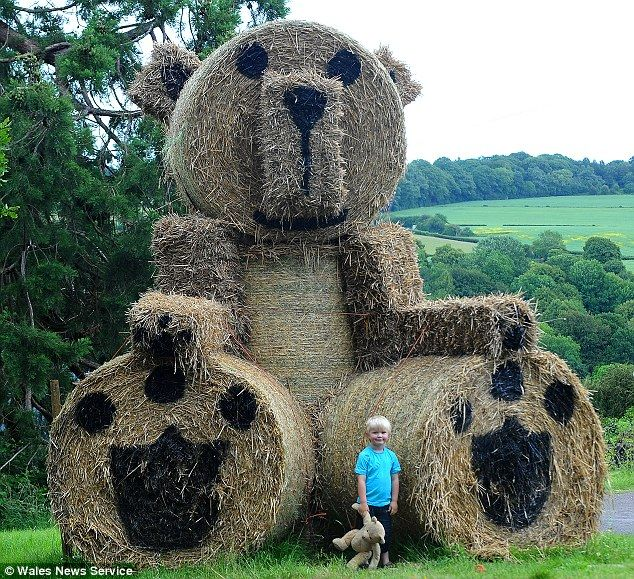 Giant teddy bear made from bales of straw