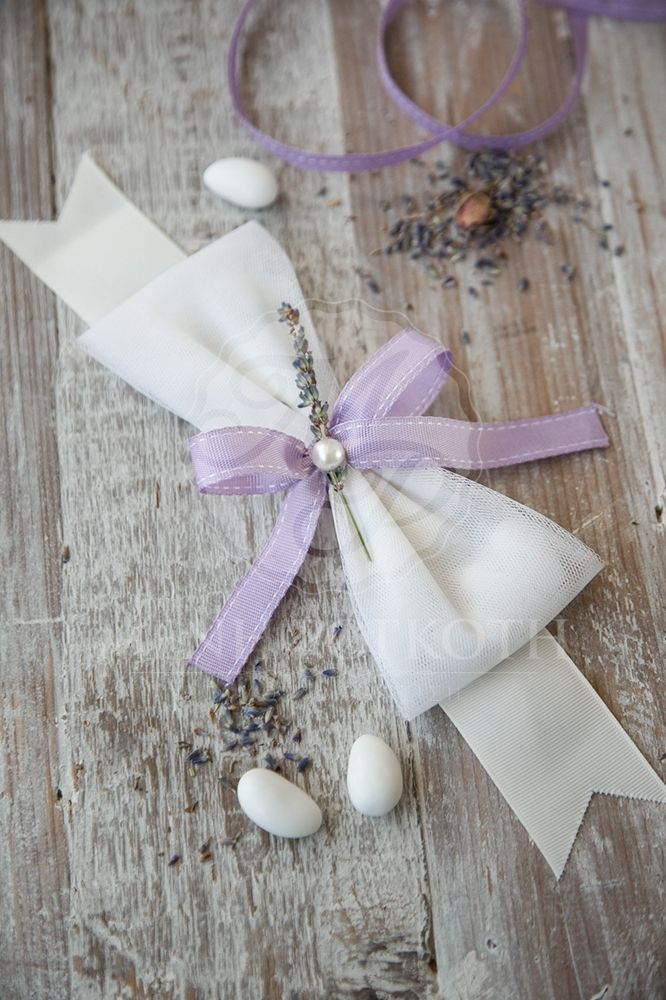 Country chic wedding favor - bomboniere with levander