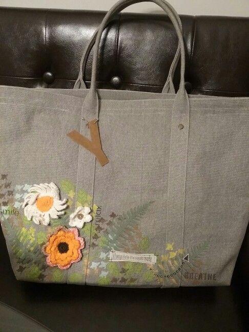 Mom's  travel bag.  Crochet flowers, Martha Stewart  paint,  TCW,  Dina Wakley ,  Stencil girl stencils