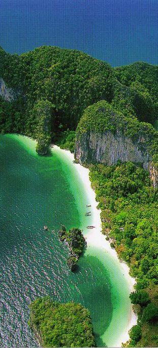 """""""Adoren al que hizo el cielo y la tierra y el mar y las fuentes de las aguas"""" (Revelación 14:7)  Phang Nga Hong, Phuket, Thailand. SB"""