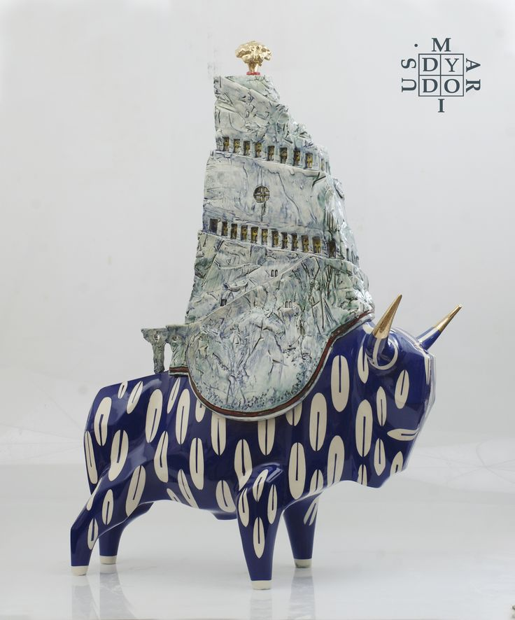 Guardian of the Temple of the Golden Tree, ceramic, 77 x 53vx 33 cm
