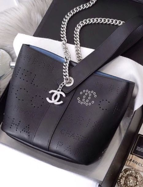 9ccb339d3405 Chanel Drawstring Bag 2019 in 2019 | Bella Vita Moda online fashion  boutique | Bags, Chanel, Bag Accessories