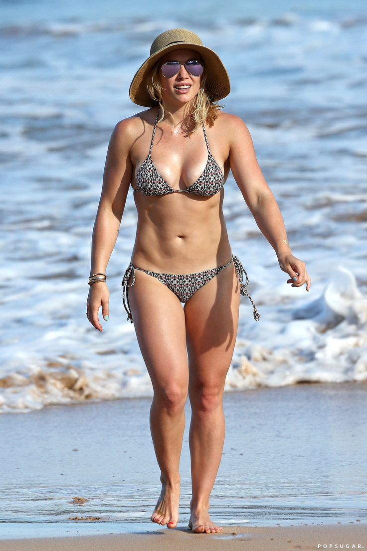 Hilary Duff Shows Off Her Insane Bikini Body in Hawaii!