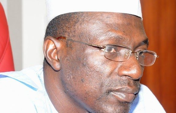 The leader of a faction of opposition Peoples Democratic Party PDP Ahmed Makarfi has disputed the report that 25000 members have fled from the party to the ruling All Progressives Congress APC in Kebbi State.  According to the former governor of Kaduna State the reported figure of the politicians involved was exaggerated.  The News Agency of Nigeria had reported that the former PDP Chairman in Kebbi state Bello Doya led the members to the ruling party on Sunday.  According to the report…