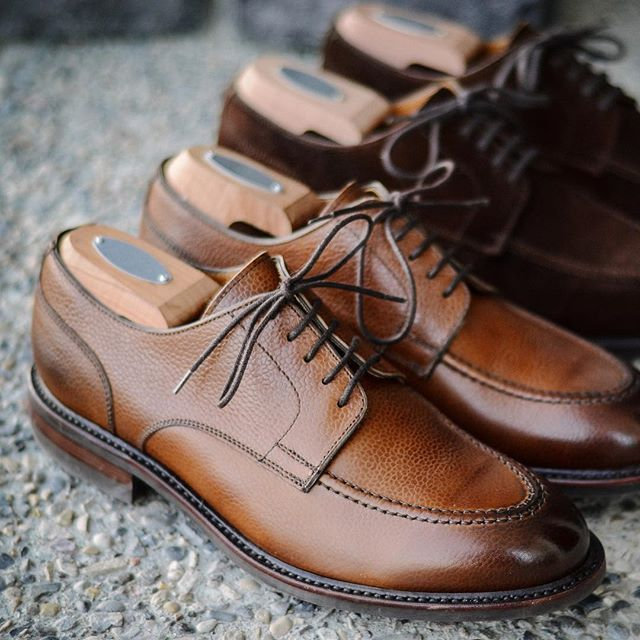 You like how I flip the labels on my shoe trees? @berwick1707_official via @leatherhealer . . . #berwick1707 #dailylast #goodyearwelt #rakish #rakishgent #classicmenswear #stylishmen #menstailoring #stylishgent #madetobeworn #styleforum #mensshoes #mnswr #shoeshine #shineyourshoes #shoegazing #ptoman #shoegazingblog #shoesoftheday #shoestagram #mensweardaily #menswearblog #shoecare #sprezzatura #sartorial #styleformen #simplefits #dappermen