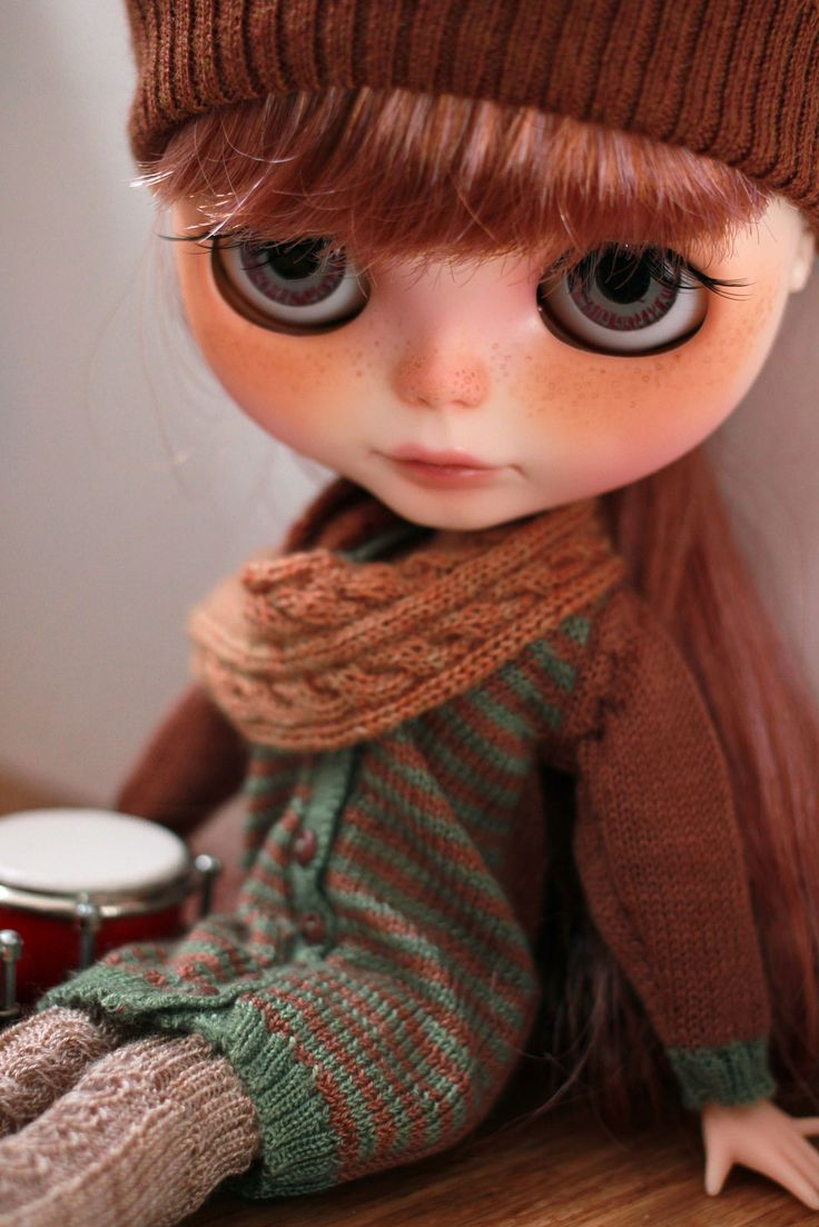 A new outfit and a set of bongos for Christmas!!! by trio Blythe