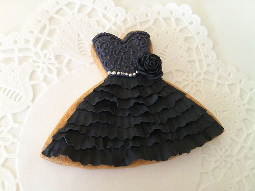 Beautiful black dress cookie! (Great for a bachelorette party!)
