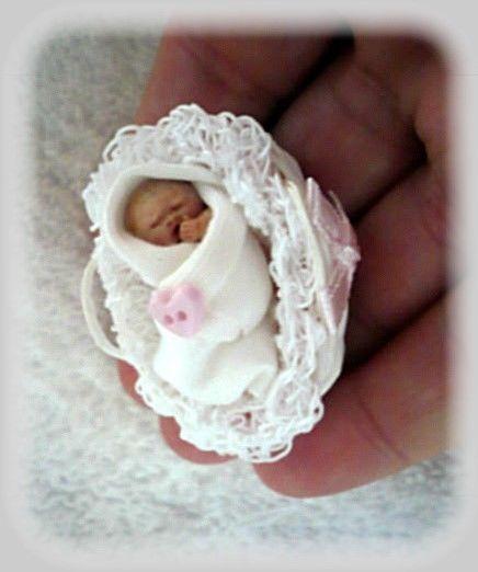 Ooak Baby Doll Micro Bundle Baby Girl & Moses Basket.1/12 Dolls House / HandMade